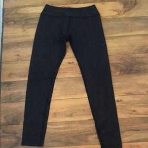 Beyond Yoga black patterned leggings